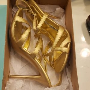 New cathy jean sandals
